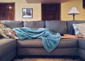 Um deinen Selbstwert zu steigern solltest du nach draußen gehen, anstat dir die Decke über den Kopf zu ziehen